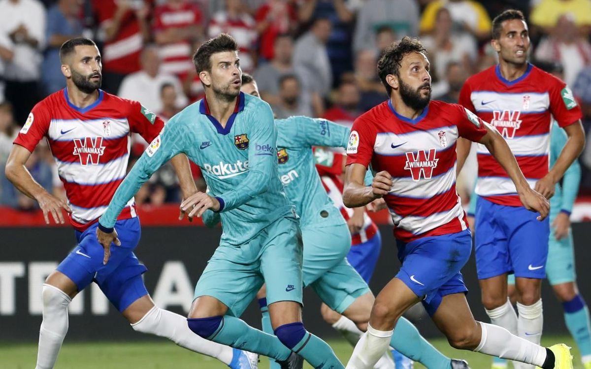 Obrazek przedstawia zawodników Barcelony i Granady